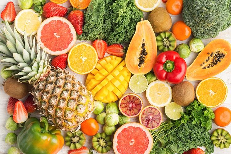 Vitamine C dans les fruits et les légumes.